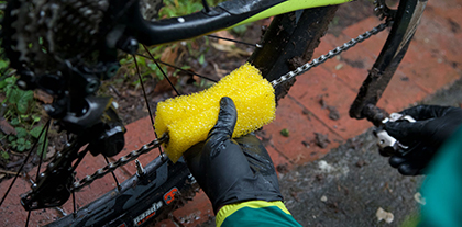 Chain Cleaning Sponge Step 2